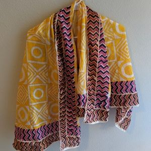 Bright large scarf